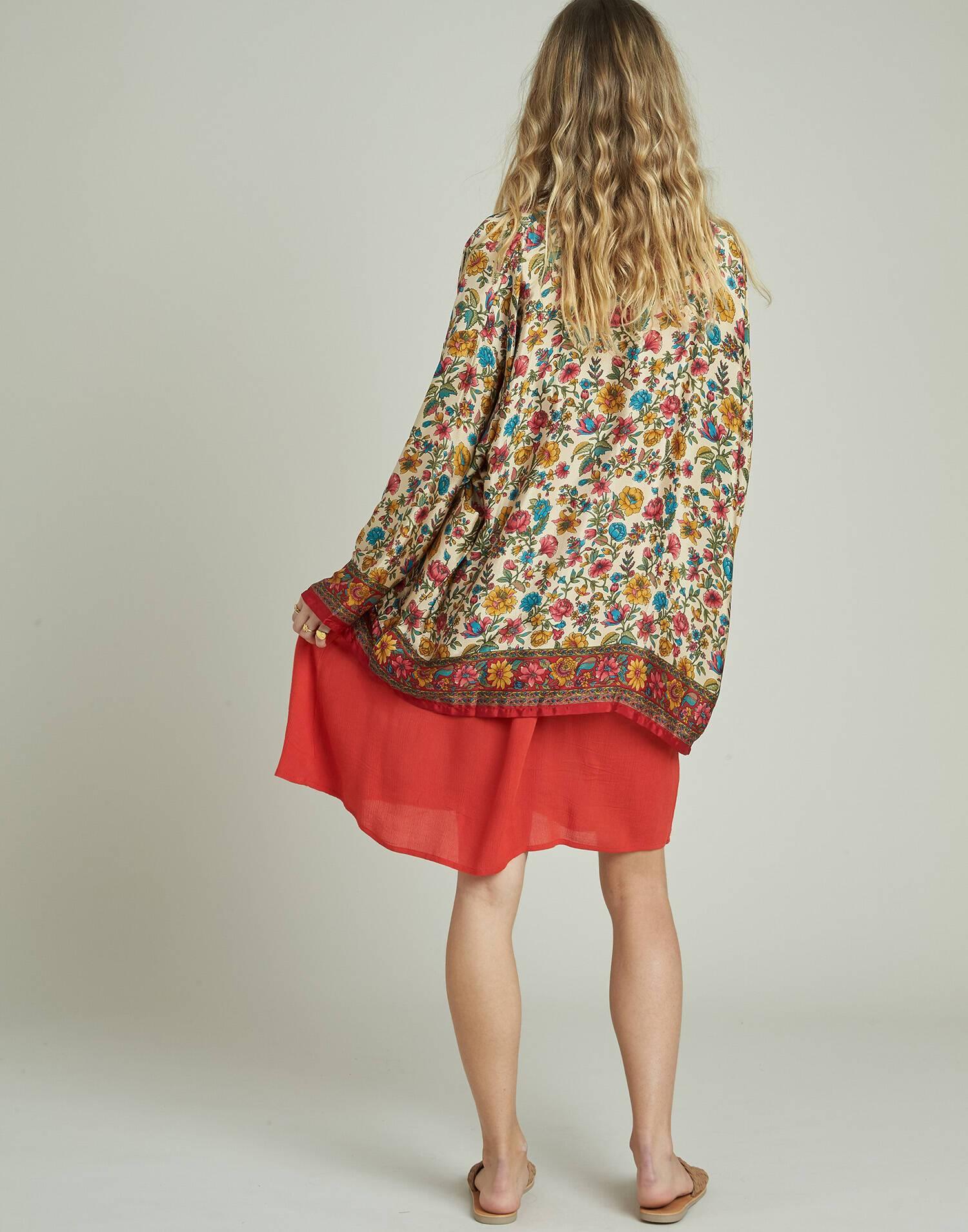 Kimono floral seda