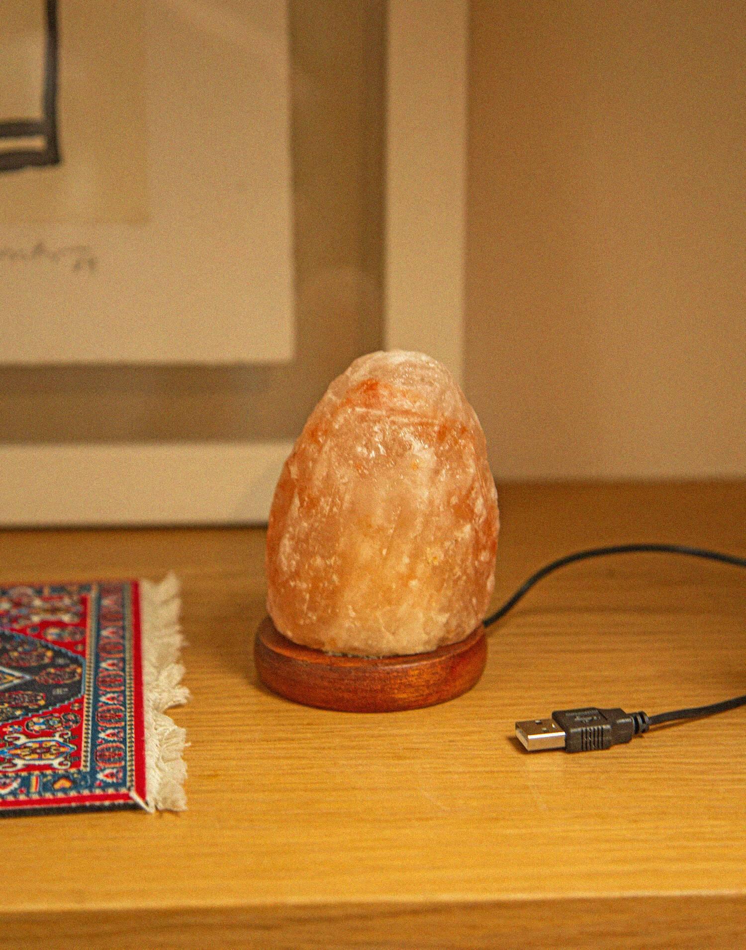 Mini rock salt lamp