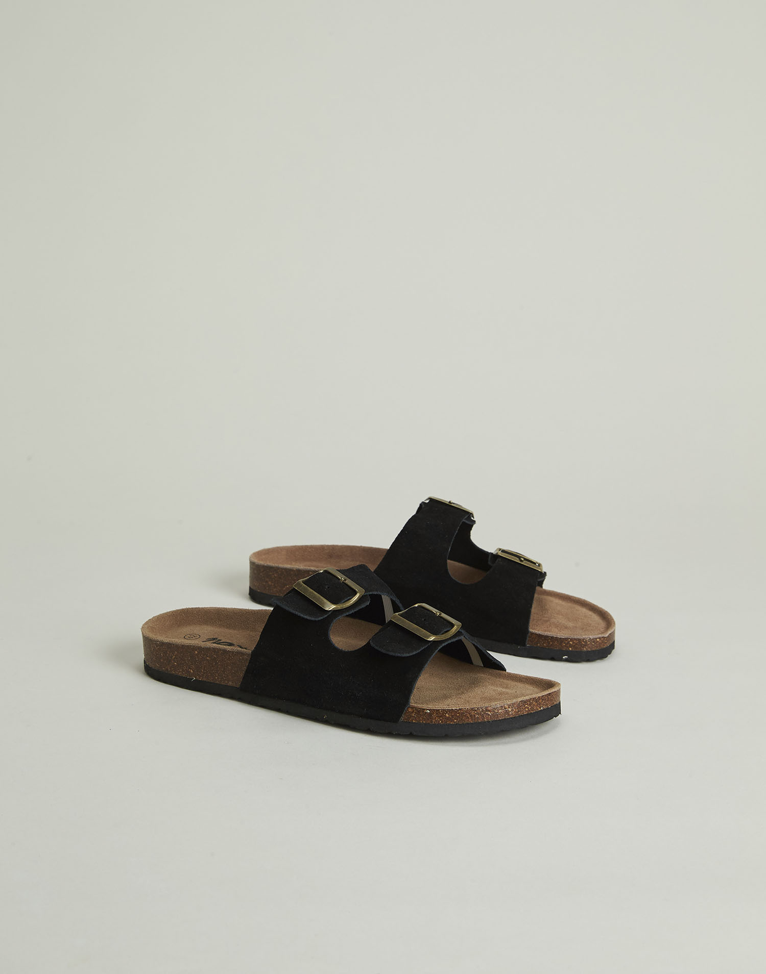 Ergonomic leather sandal for men