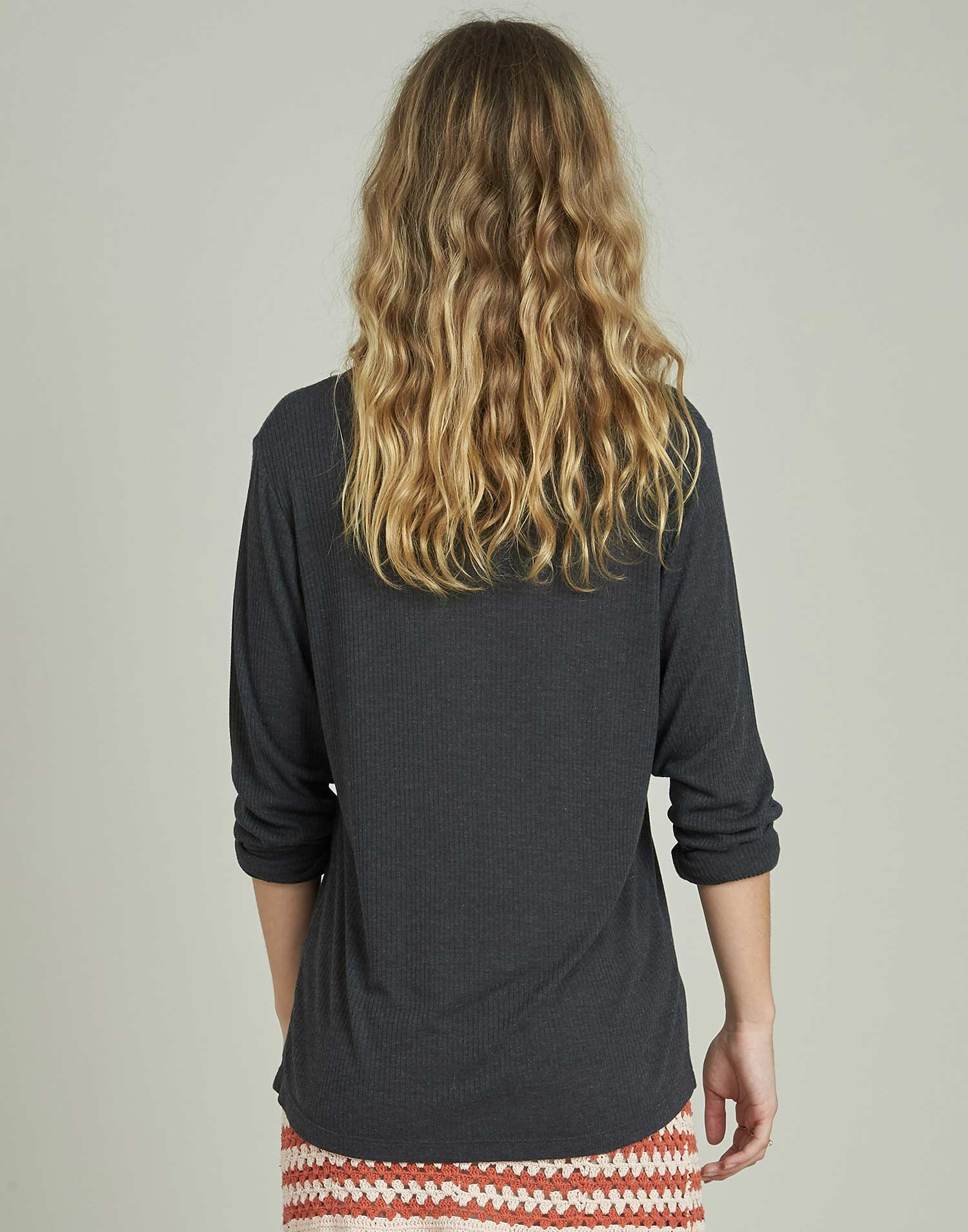 Round neck ribbed shirt