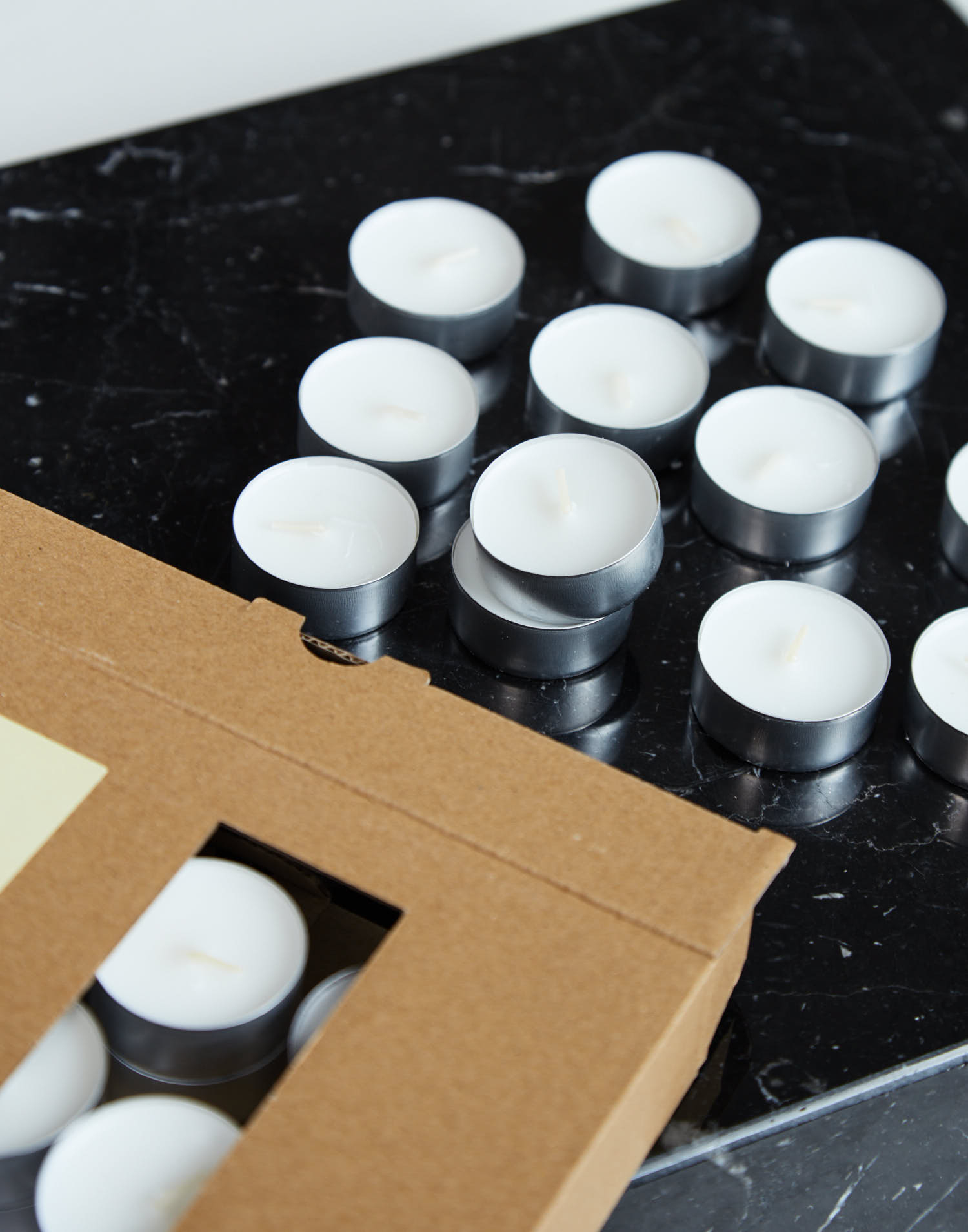 Caja 50 tea lights