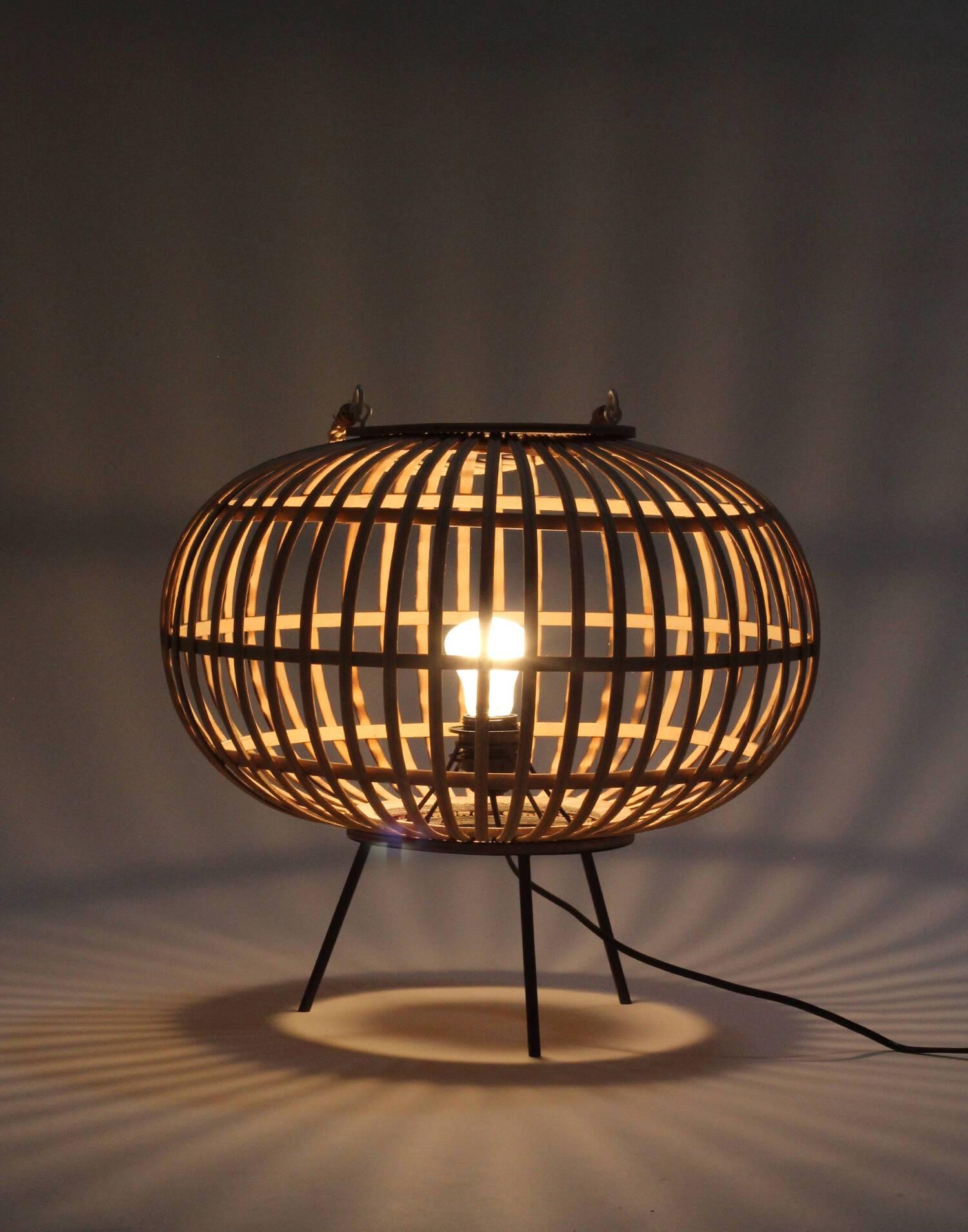 Bambo table lamp