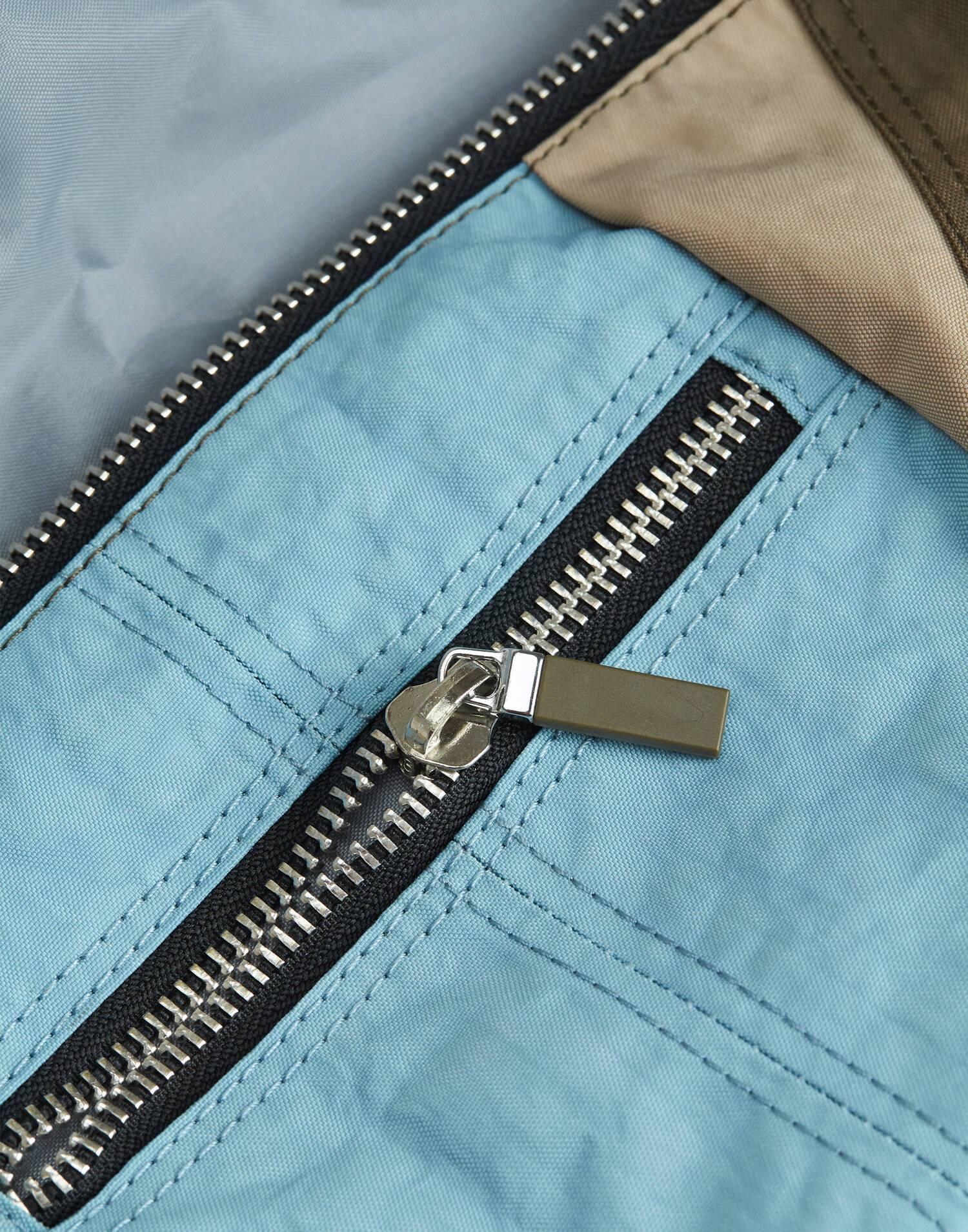Tricolor belt bag