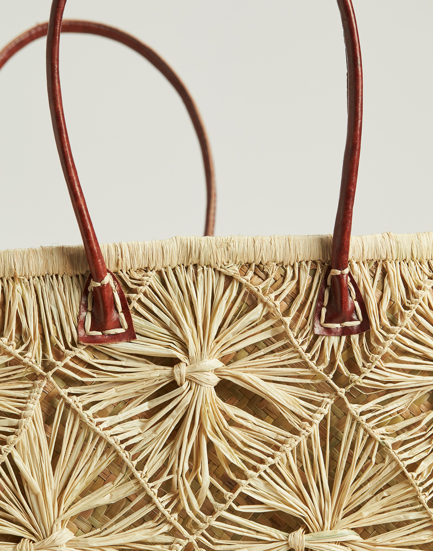 Flowered raffia basket bag