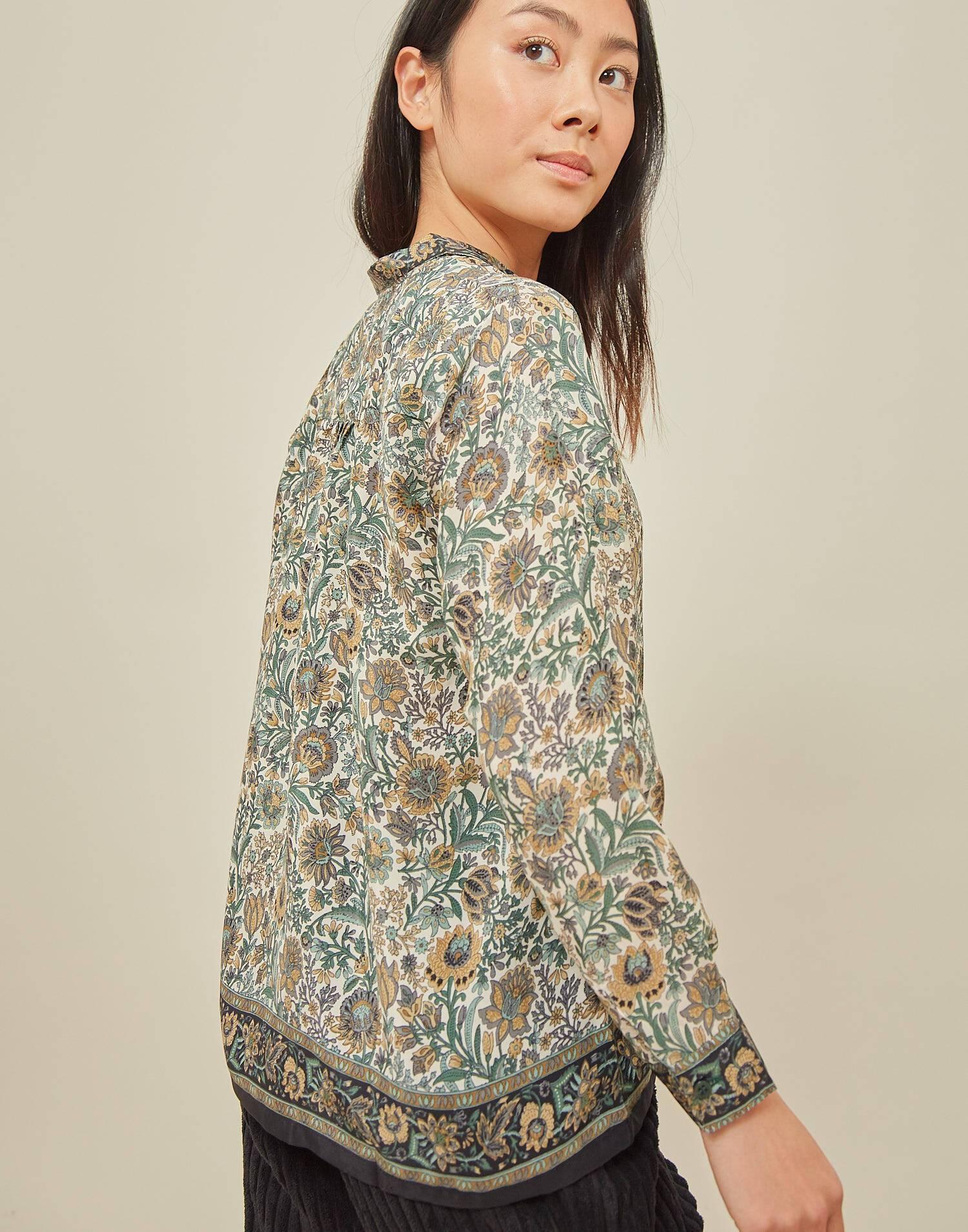 Camisa efecto seda print posicional