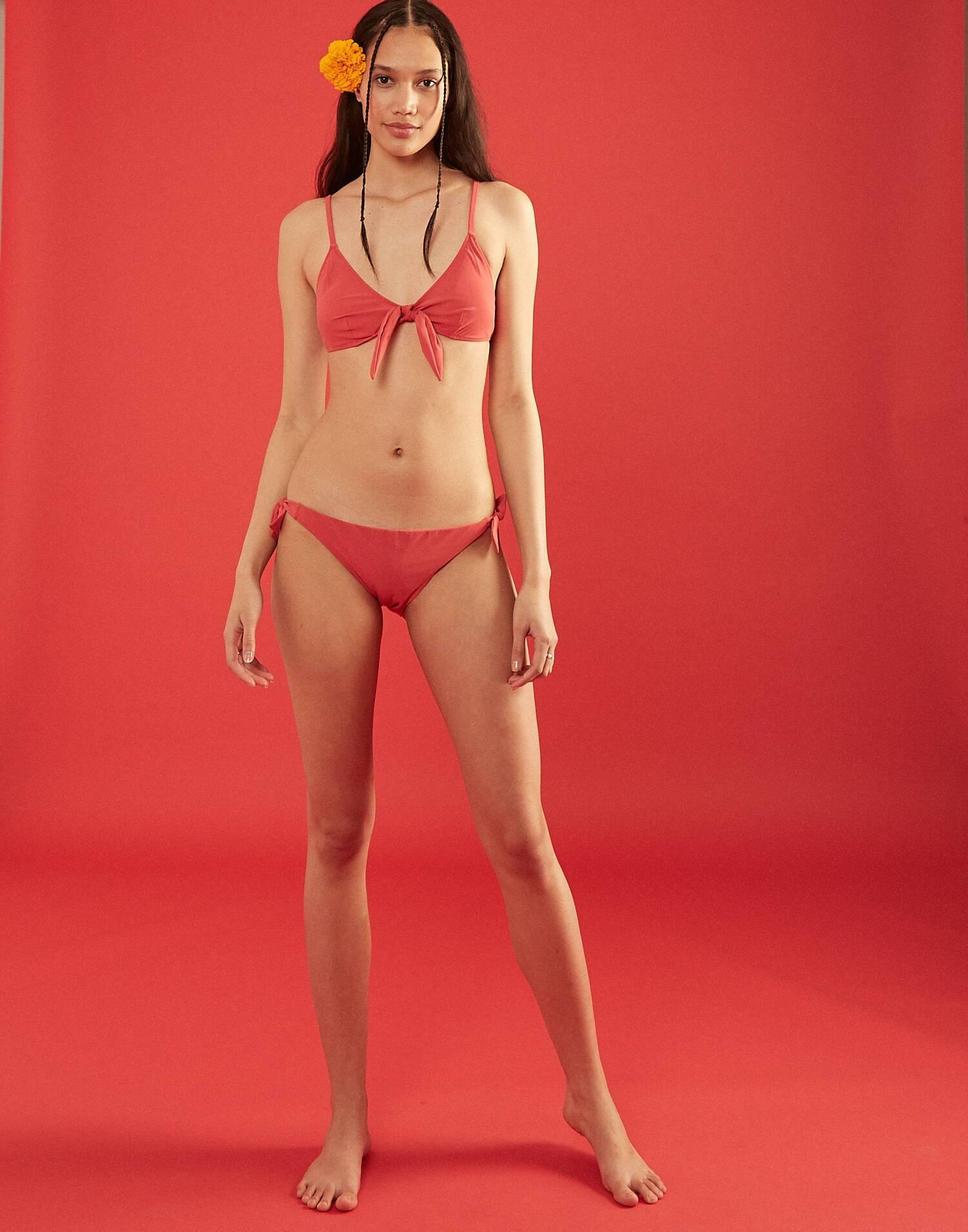 Braga bikini lazo ancho liso