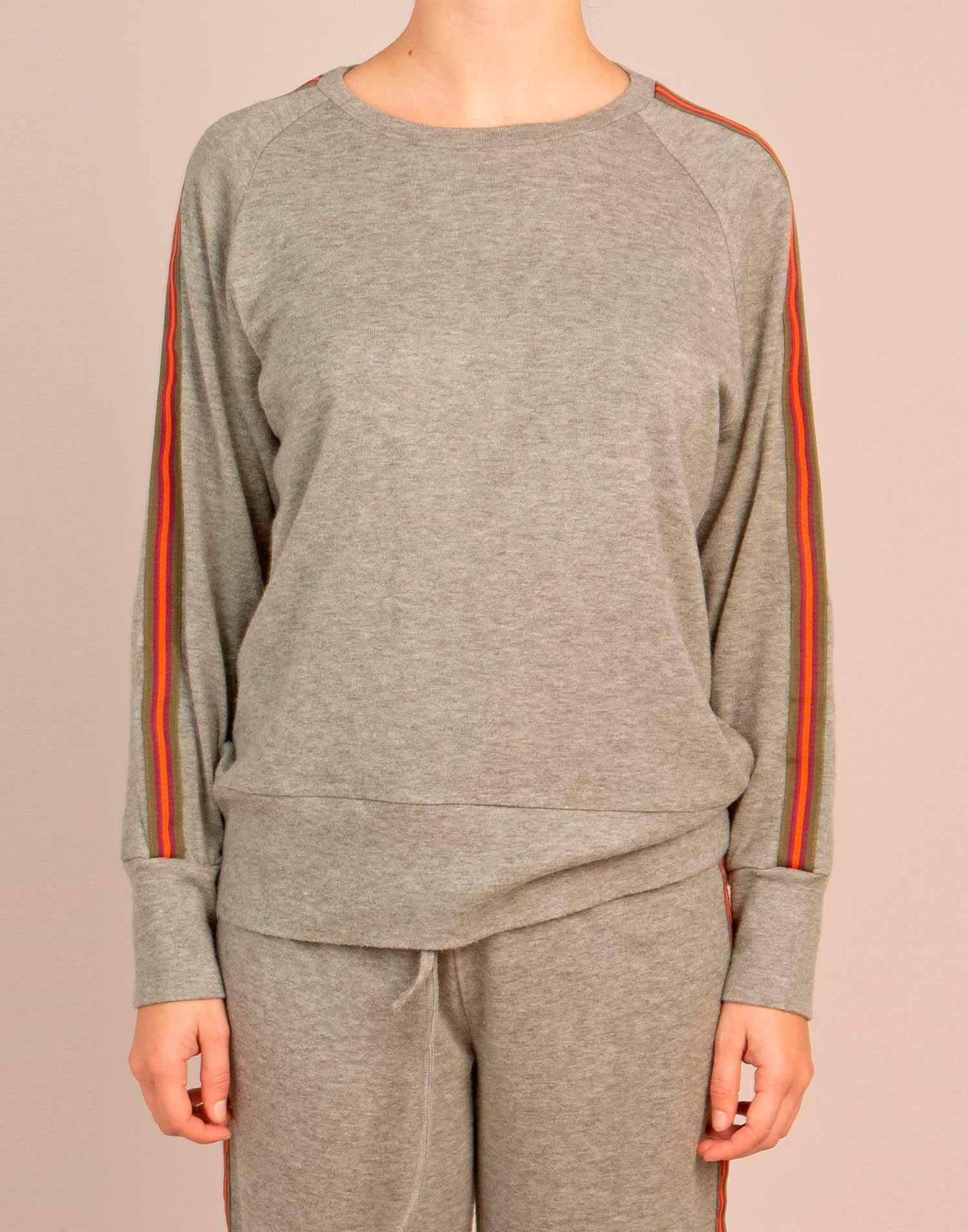 Side tape raglan soft sweater