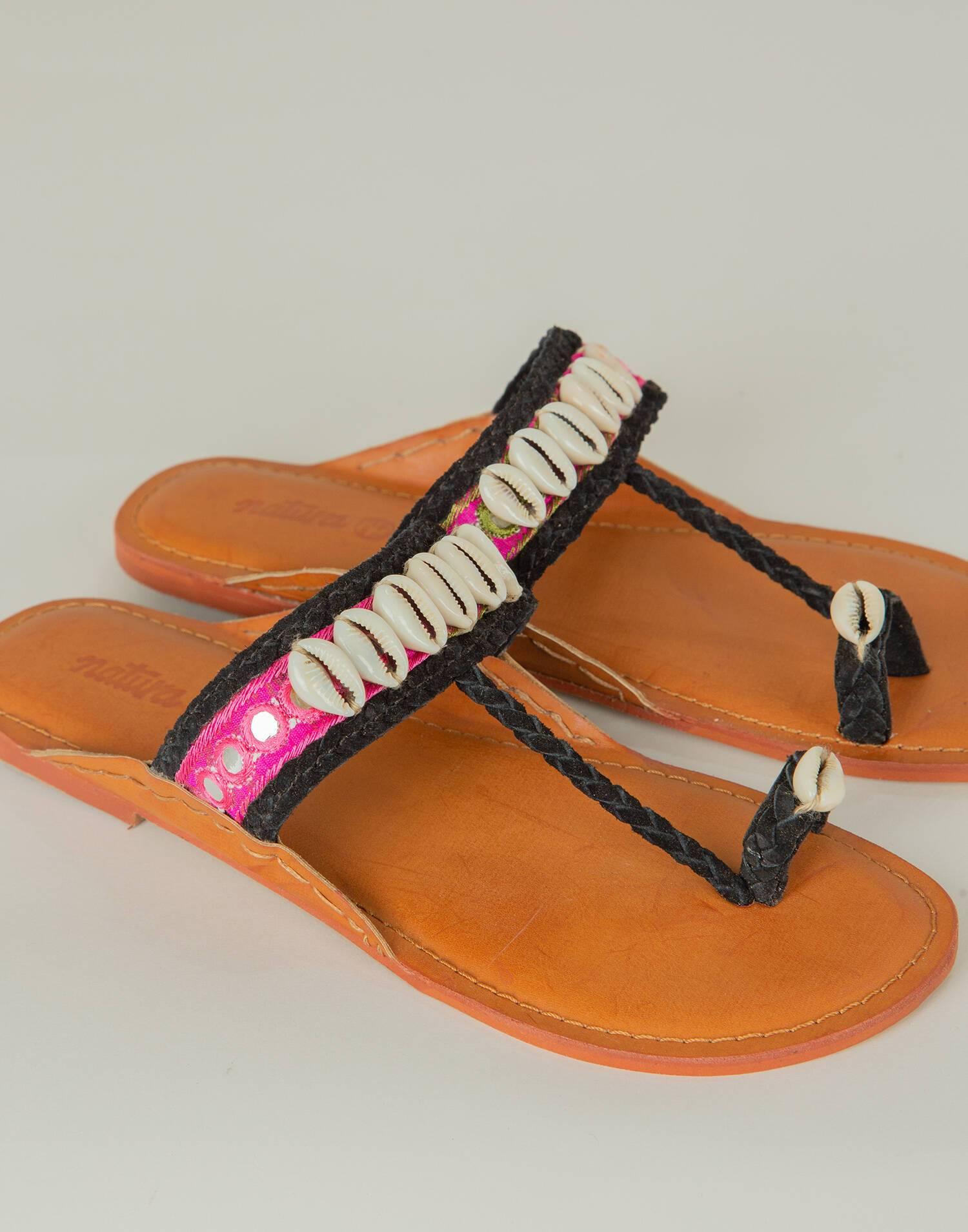 Fantasy shell flat sandal