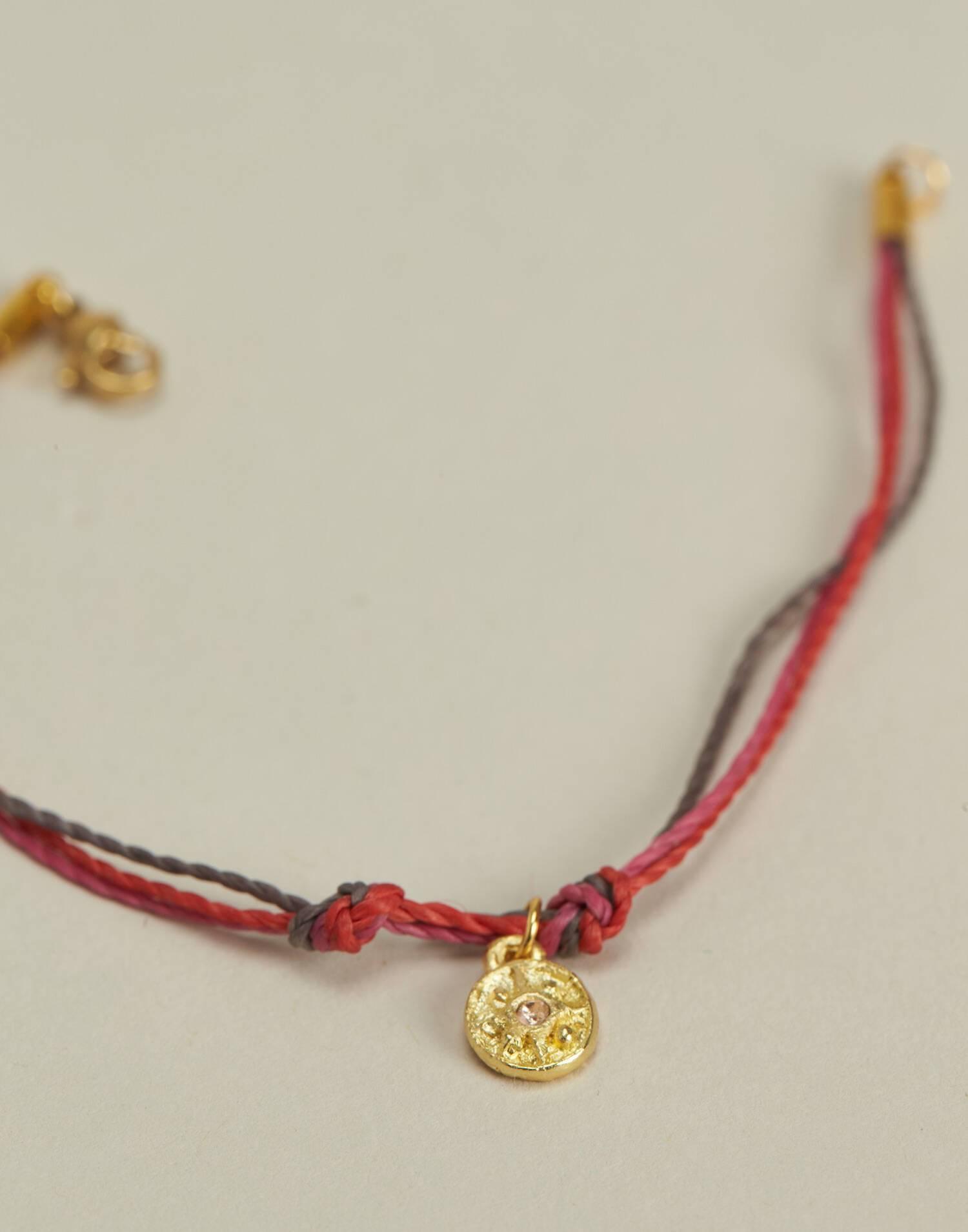 Pulsera hilo multicolor medalla