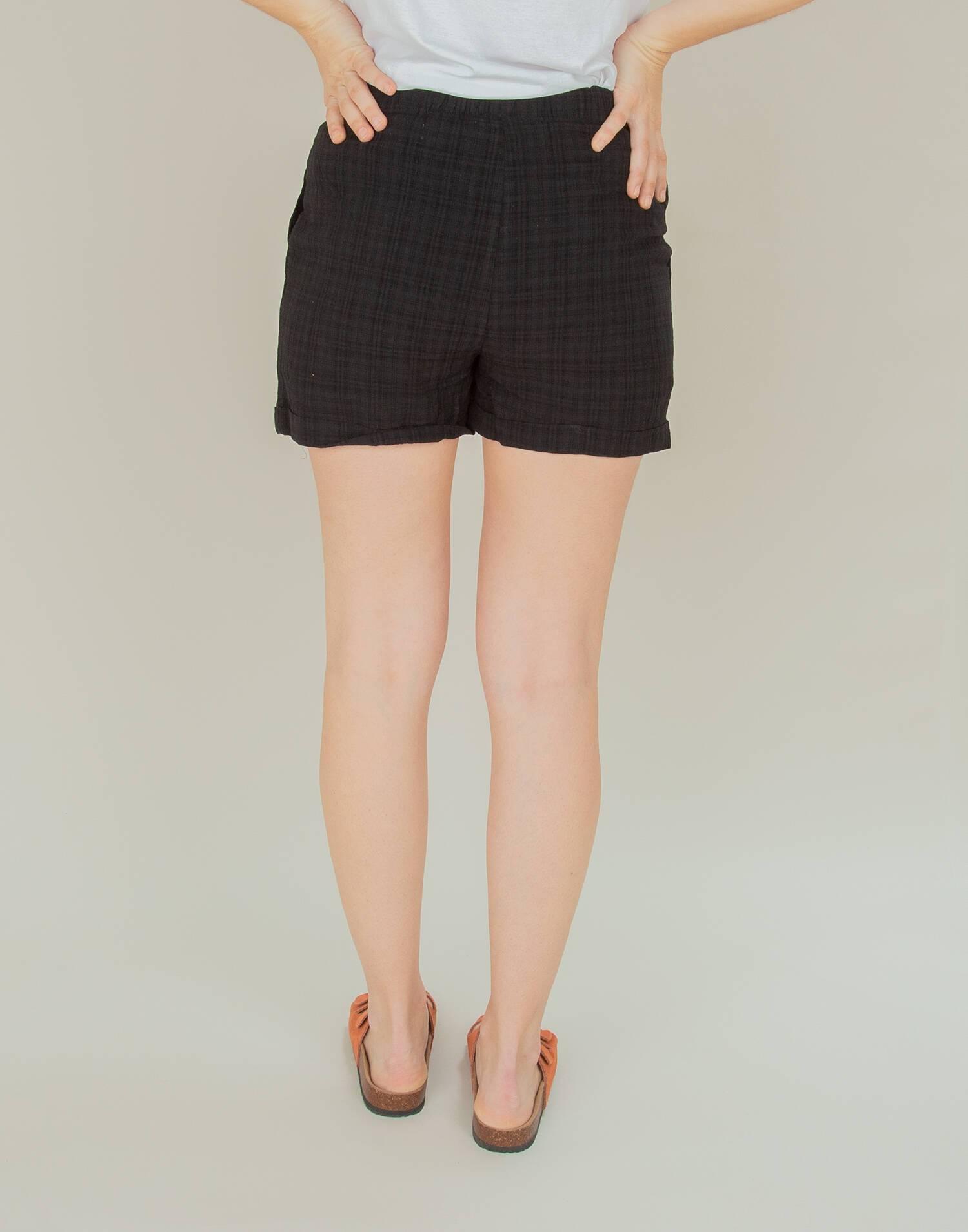 Elastic waist bermuda shorts