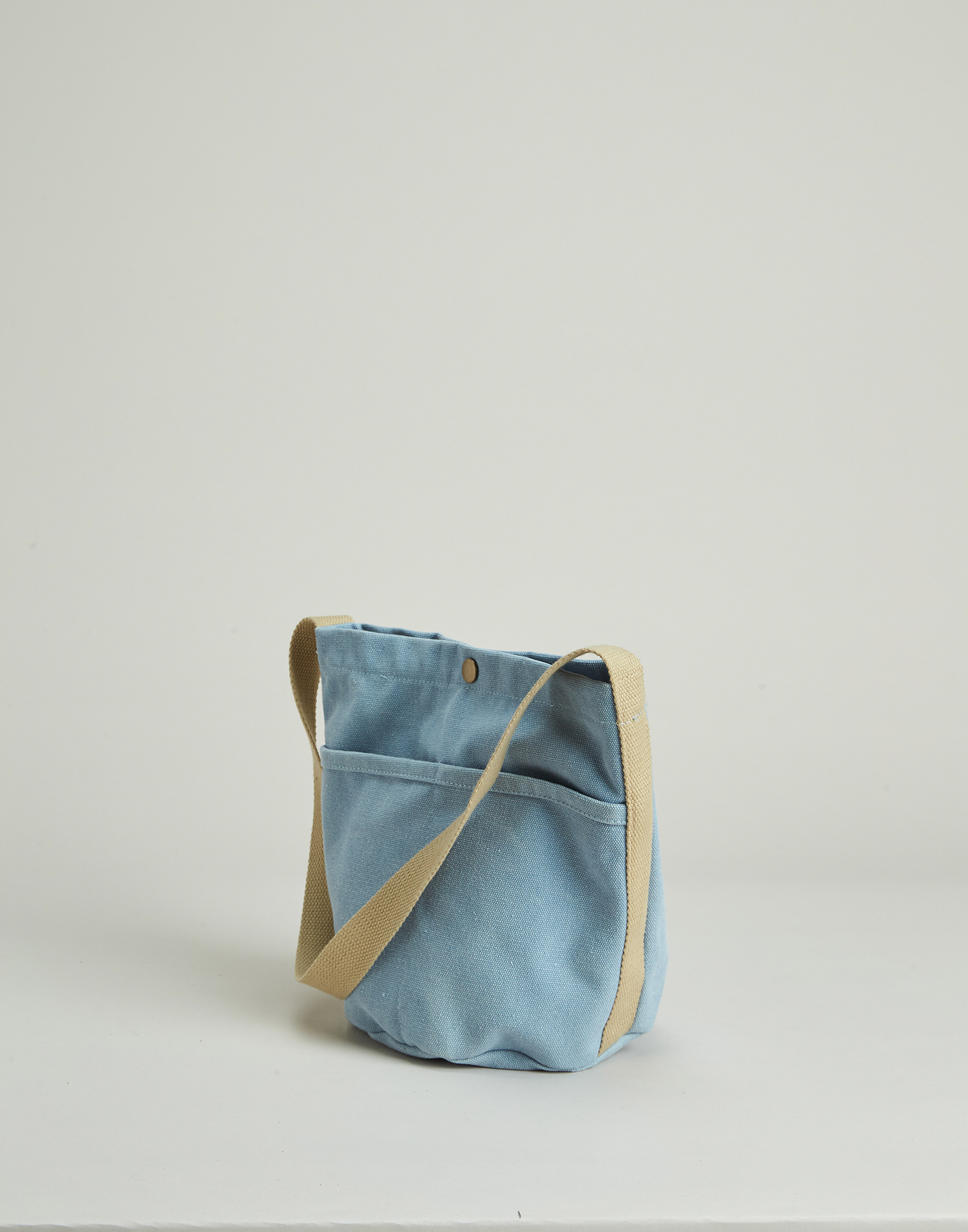 Cylindrical canvas bag