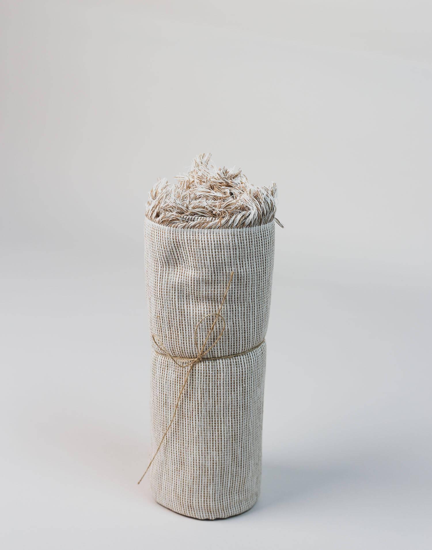 Medium artisan plaid