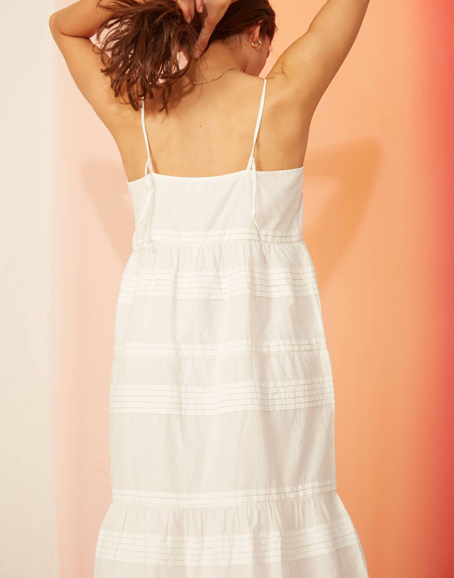 Pleats midi white dress