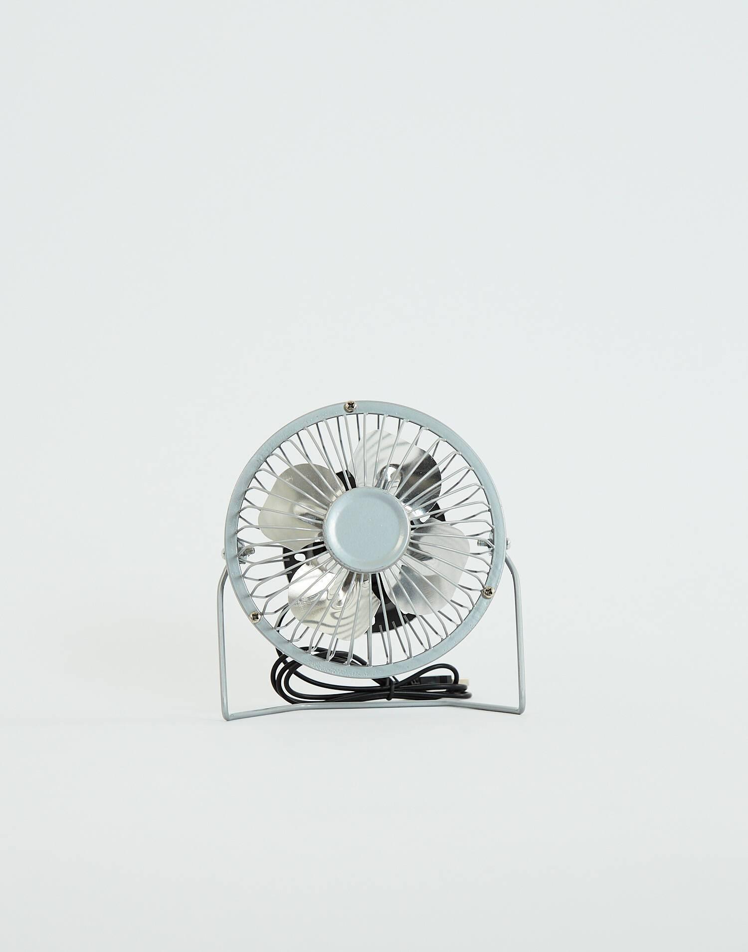 Ventilador metálico de escritorio