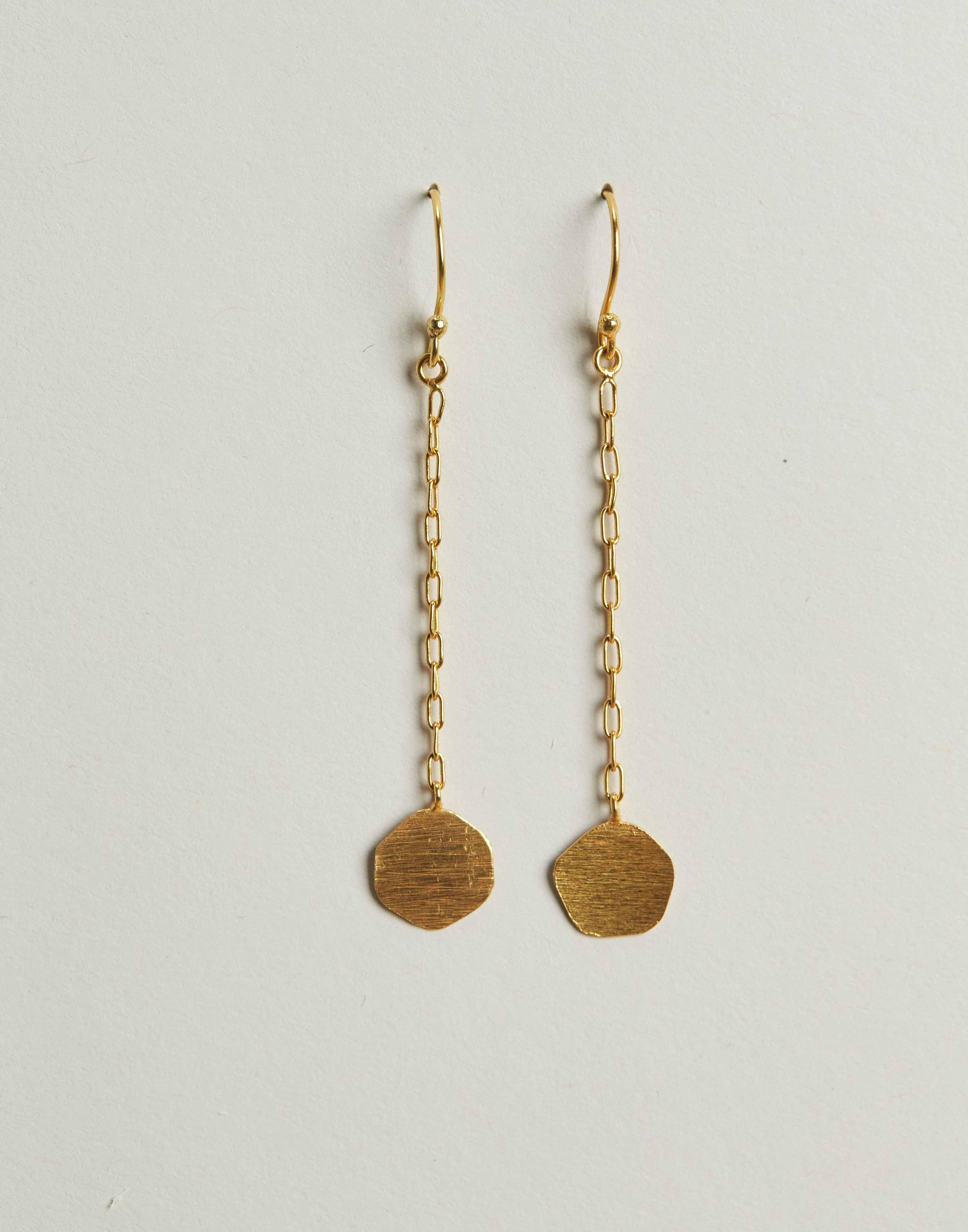 Gilded medal long earring