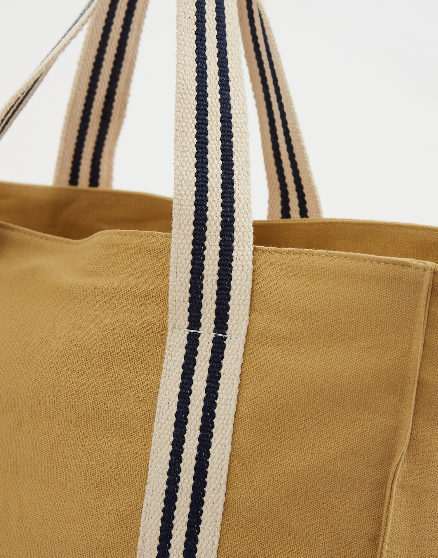 Tote bag with vertical stripes