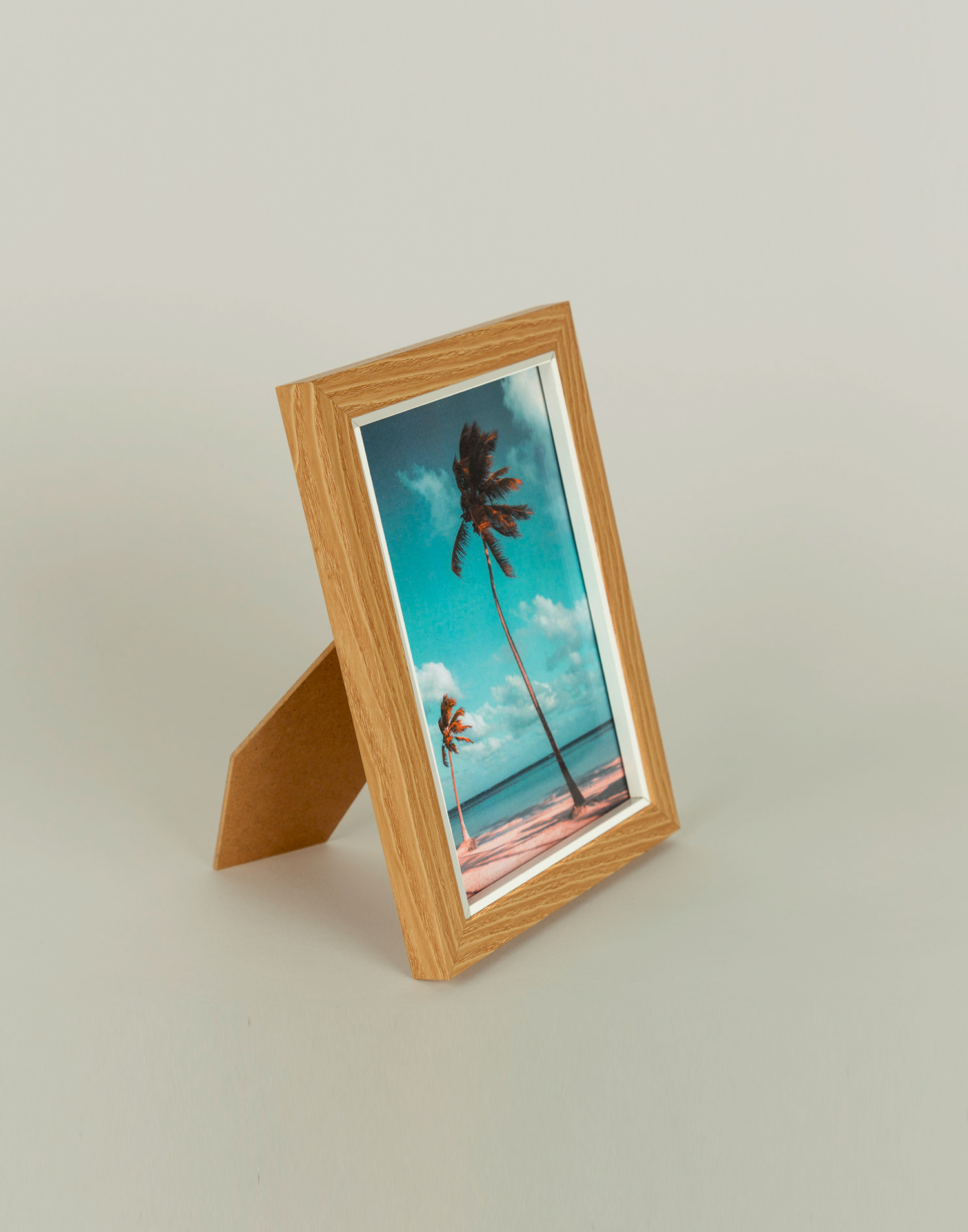 White trim photo frame 13 x 18 cm