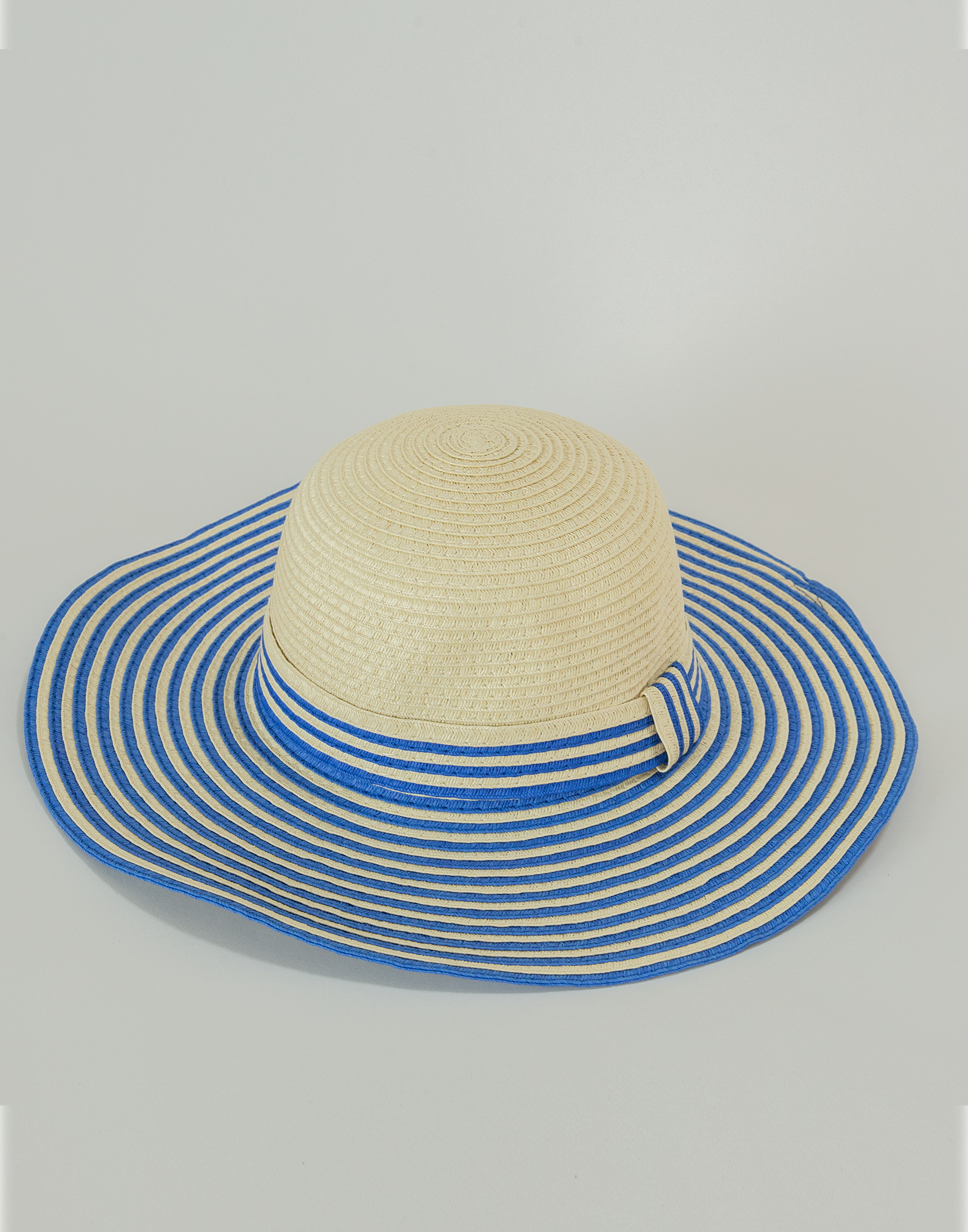 Two-tone brim hat