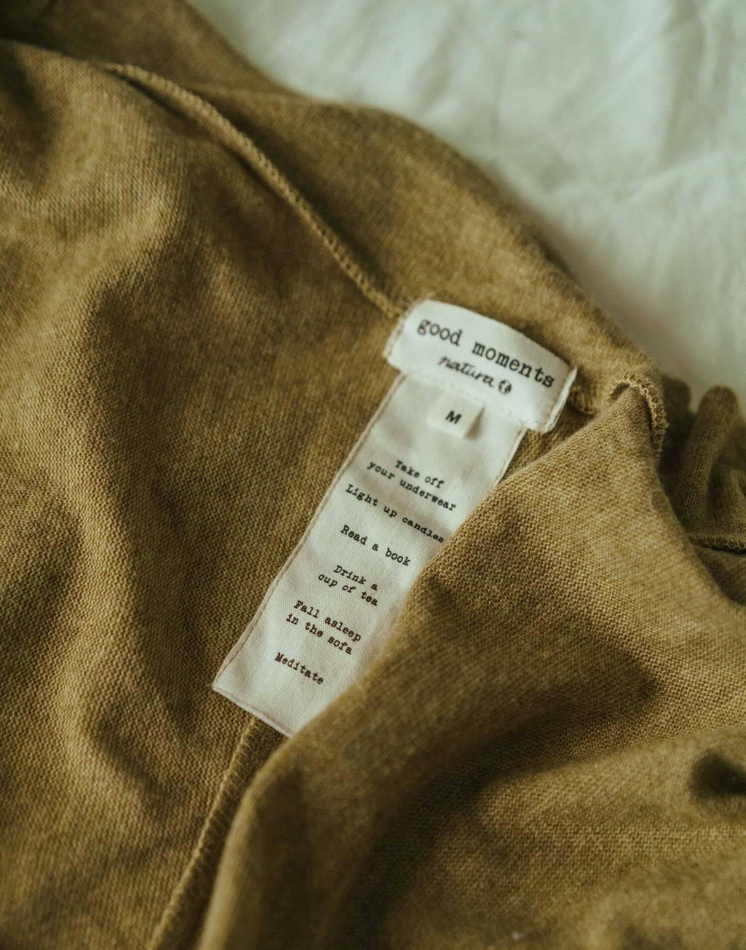Vestaglia con cintura a contrasto in tessuto morbido