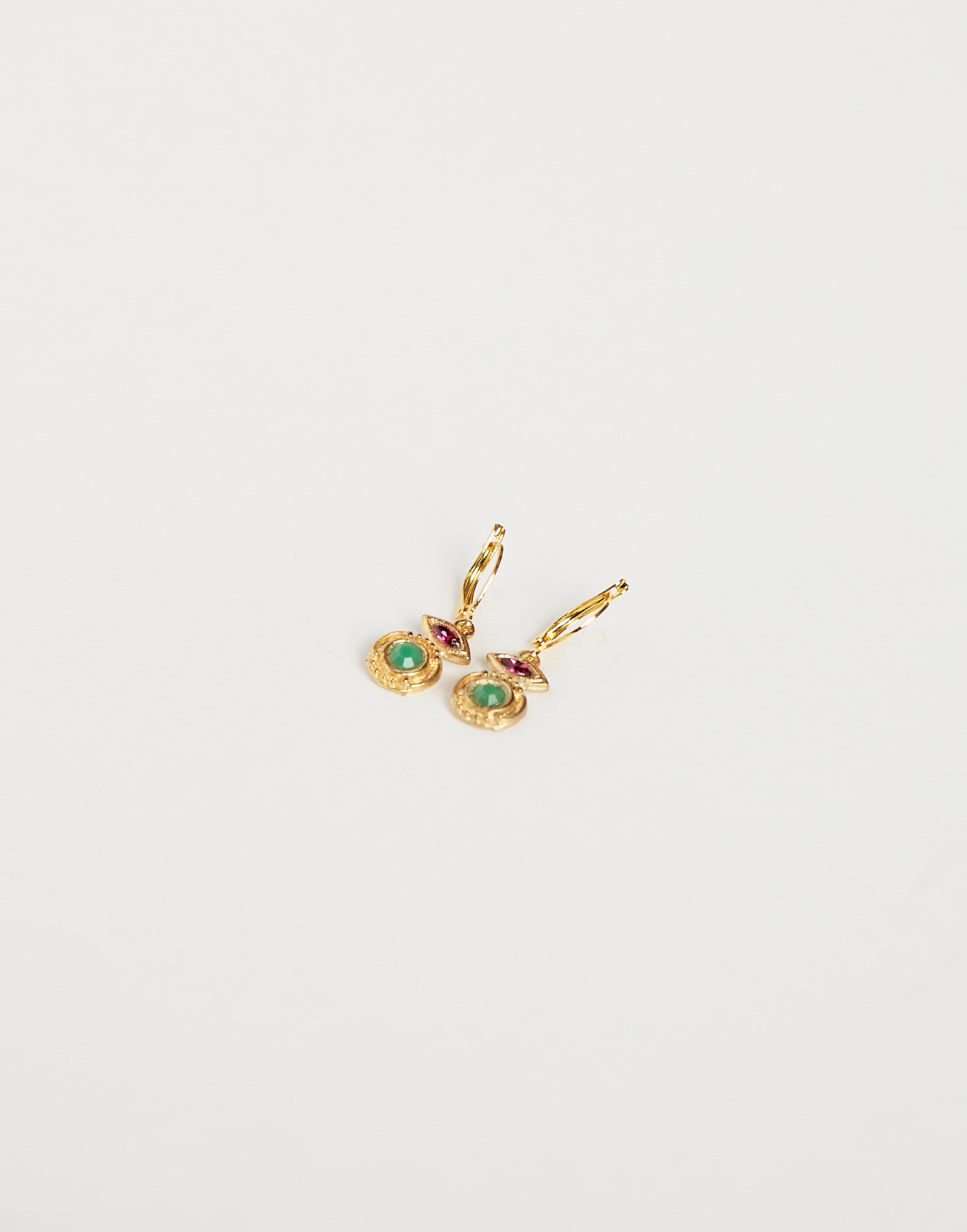 Indian earring with stones