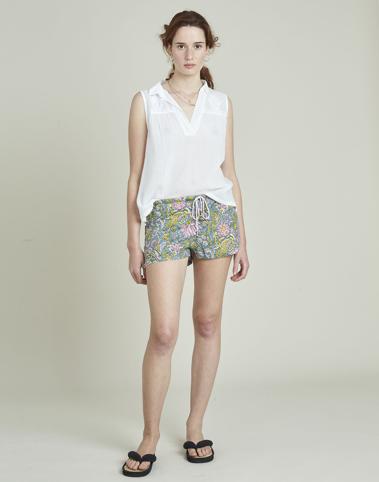 Cotton short with indi print