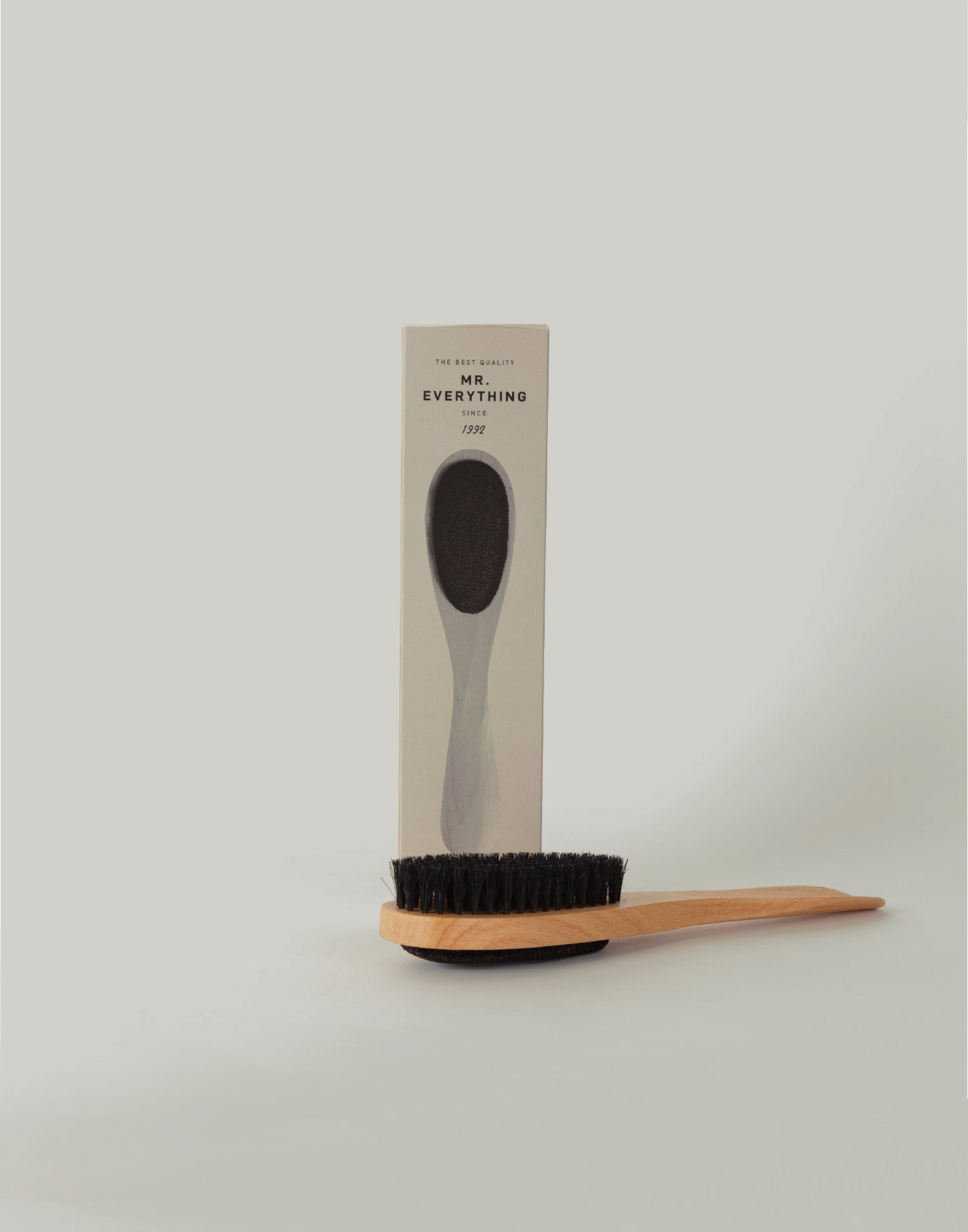 Brush, shoehorn and fluff remover