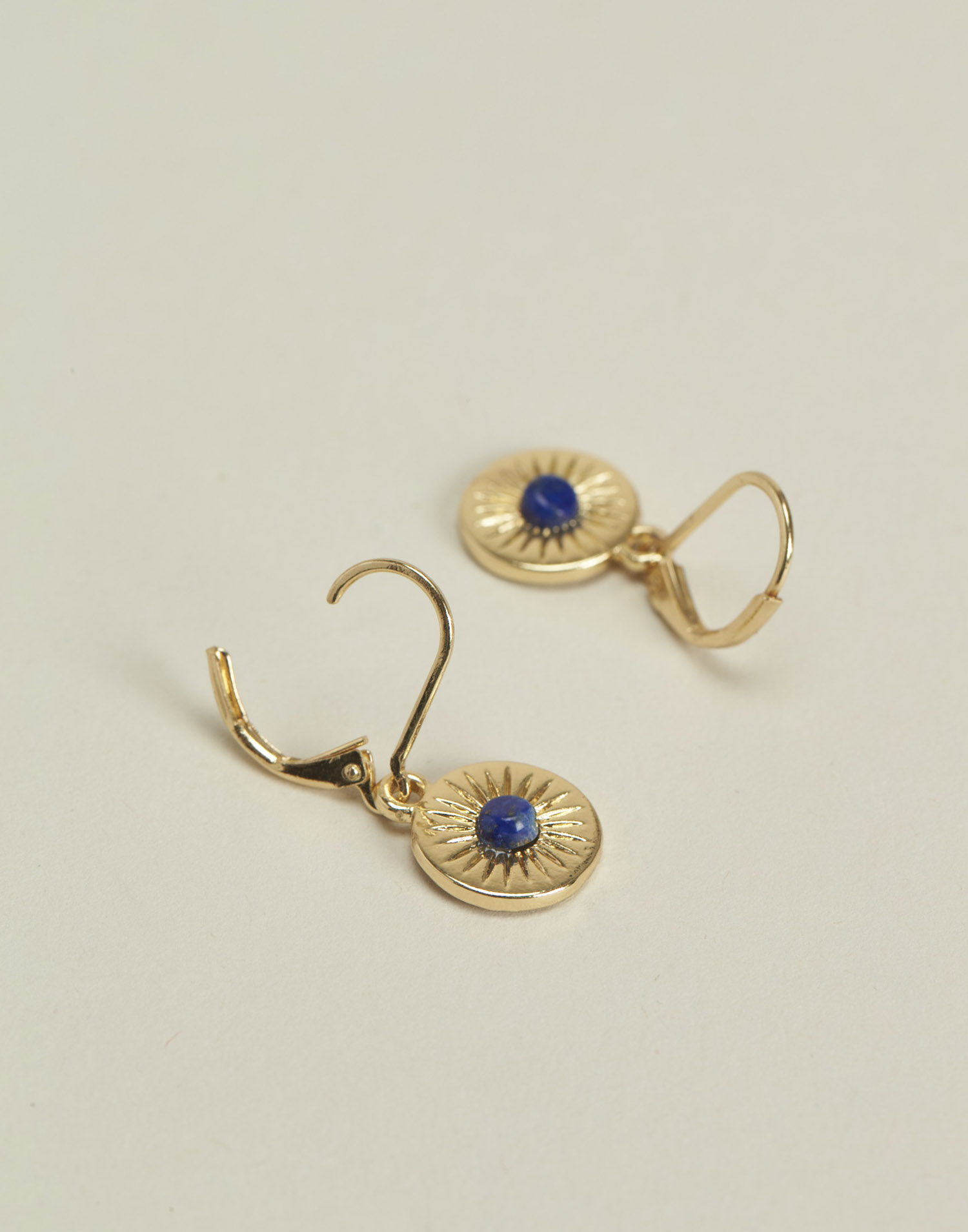 Round medal and stone earrings