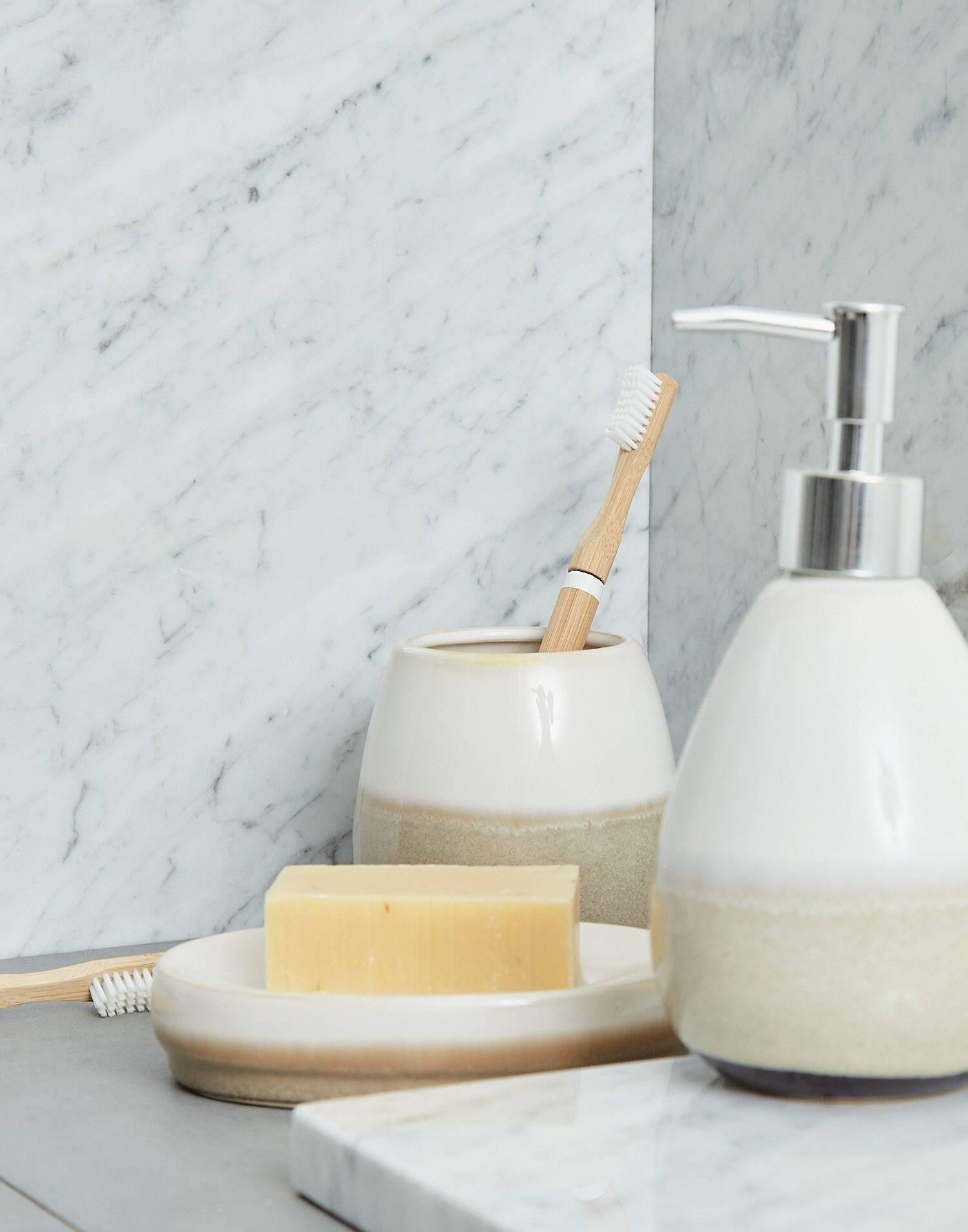 Java soap dispenser