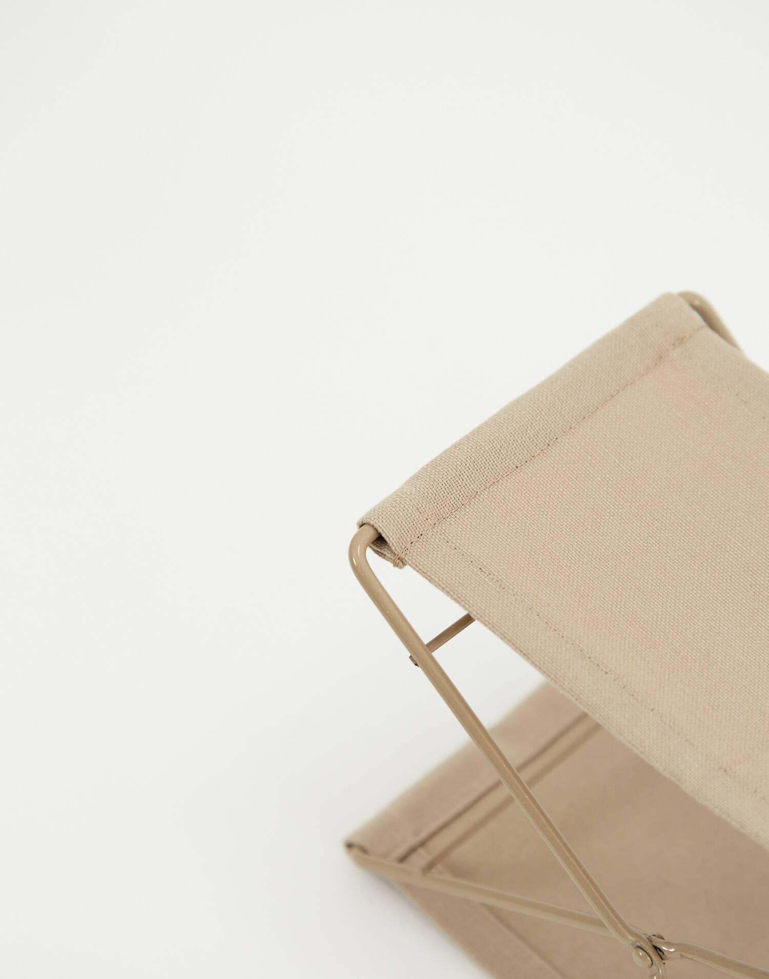 Foldable beach pillow