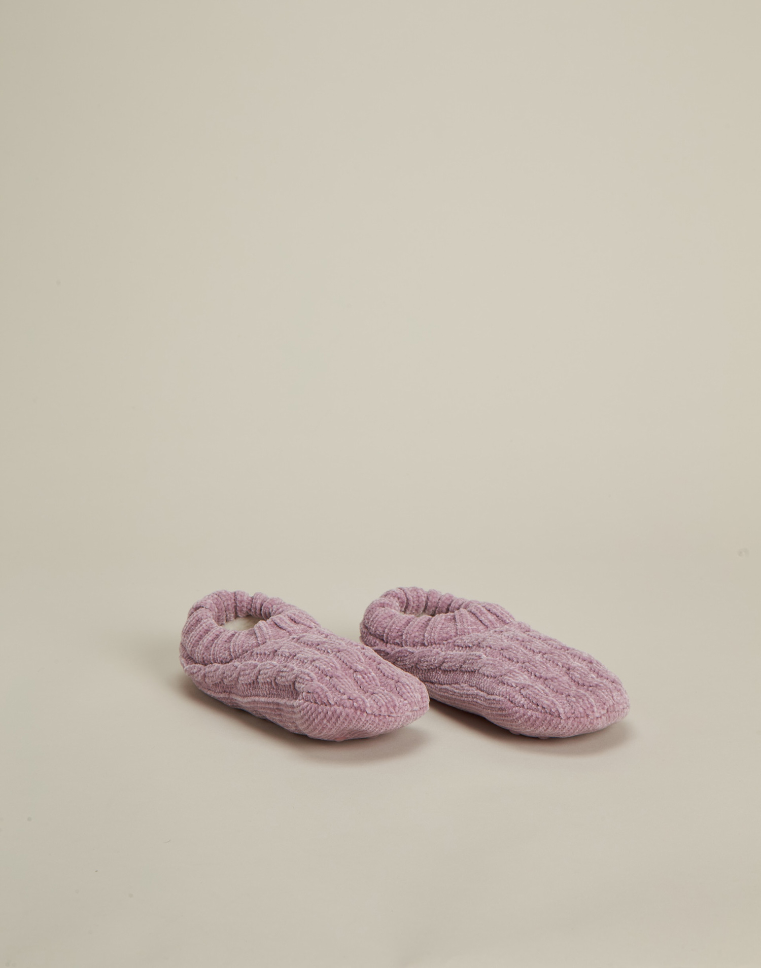 Braided knitted slippers