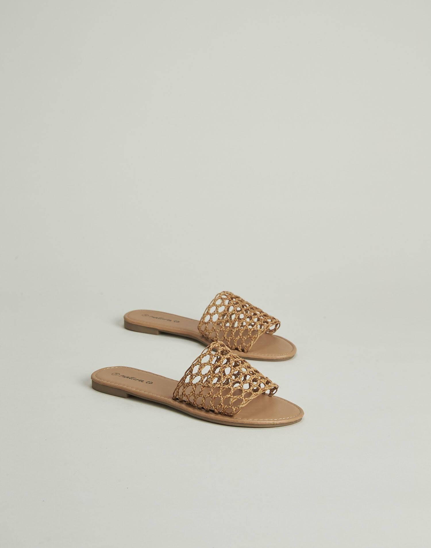 Flat bamboo sandal