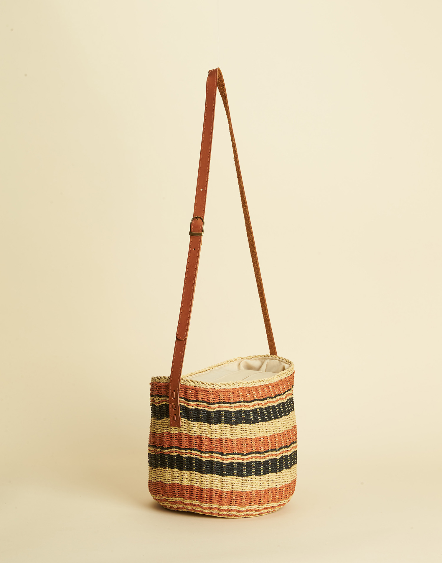 CROSSBODY WICKER BAG